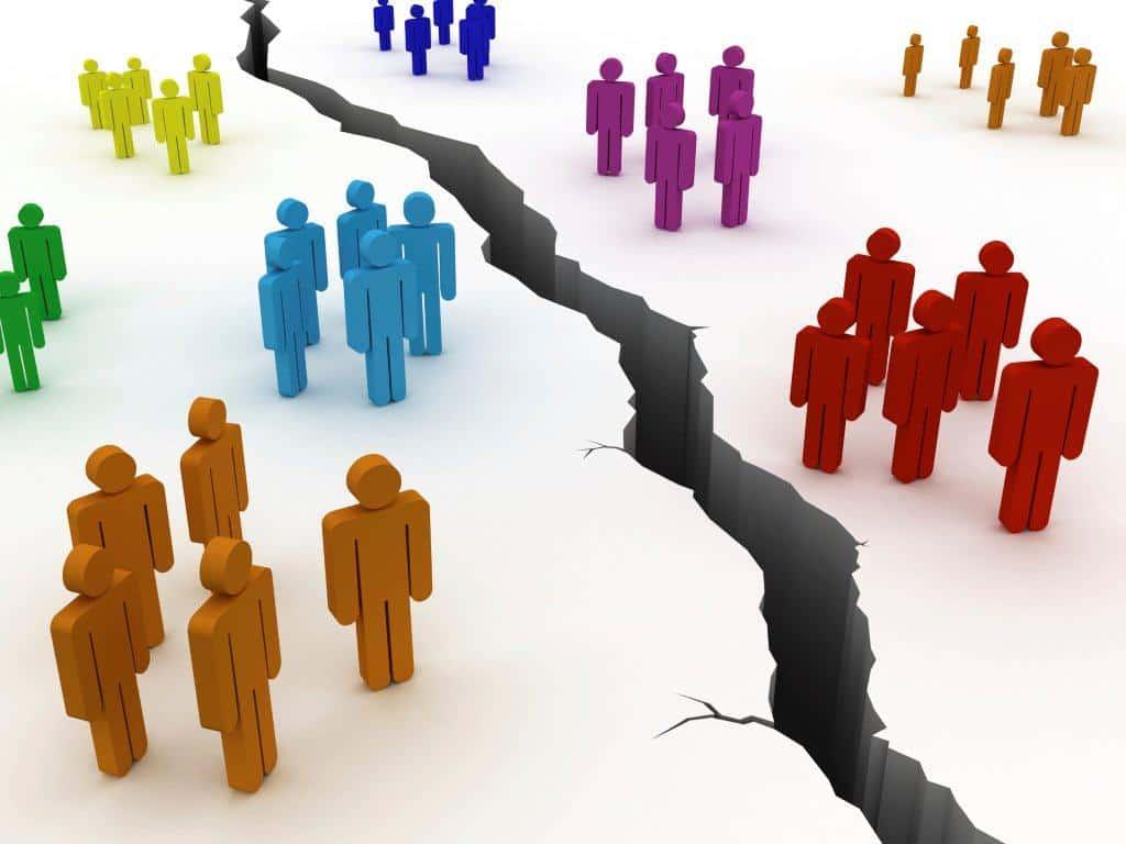 La discrimination sociale est un élément structurel mental dans cette réalité.